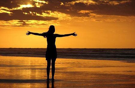 affirmation-woman-sunset